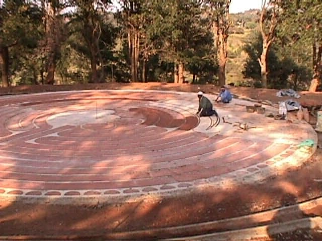 Building the Highcroft Labyrinth